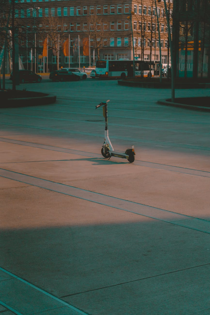 Semi-autonomous e-scooters are the future of mobility